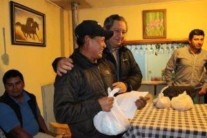 ALCALDE SE REUNIÓ CON VECINOS DE COMUNIDAD INDÍGENA DE MONGEN MAPU