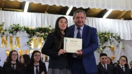 Con un acto académico se licenciaron alumnos de 4° medios del Liceo Cardenal Antonio Samoré
